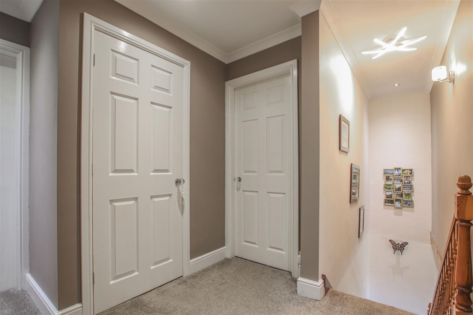 4 Bedroom Detached House For Sale - 33.JPG